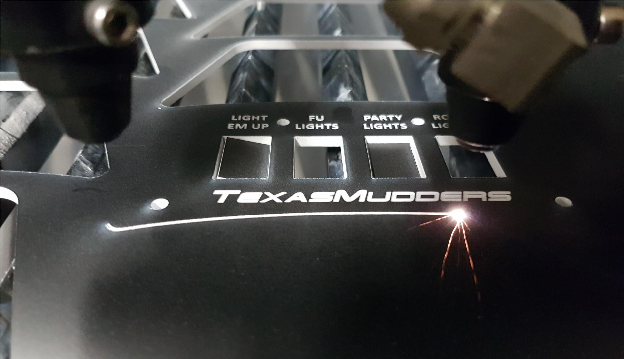 Laserskärning av brytarpaneler till Canam Outlander